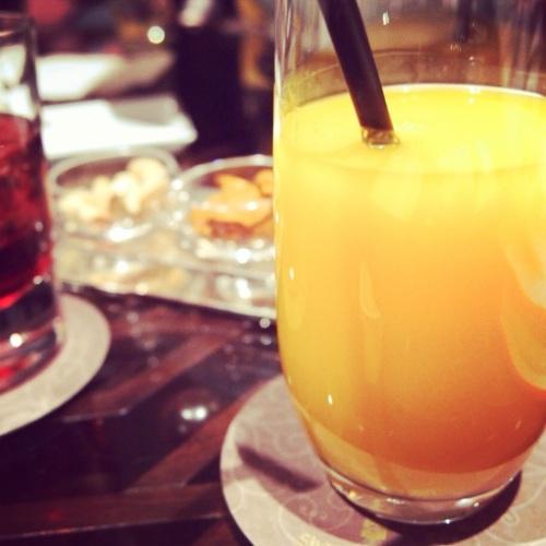Jus de mangue frais au Shang Palace Paris