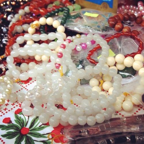 bracelets-bouddhistes-nouvel-an-khmer-2013