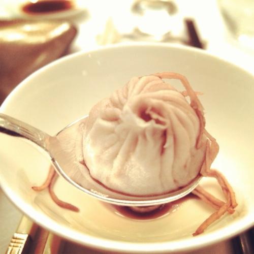 Comment manger des Xiao Long Bao