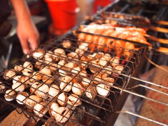 cambodge-barbecue-coques