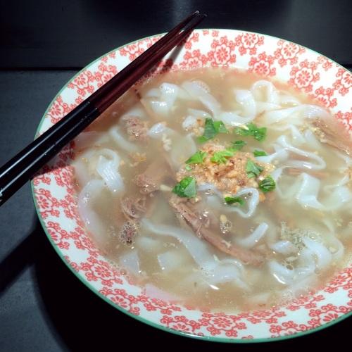 Les nouilles de konjac en soupe